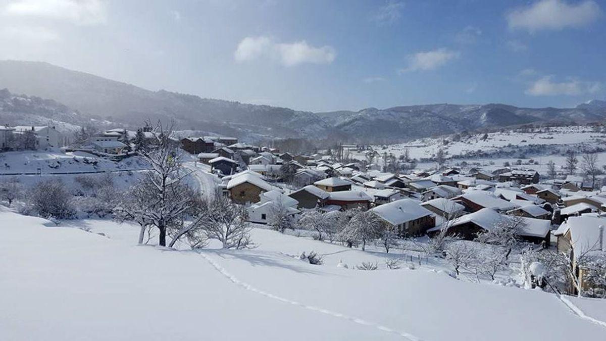 La lluvia, la nieve, el frío y el viento azotan a media España