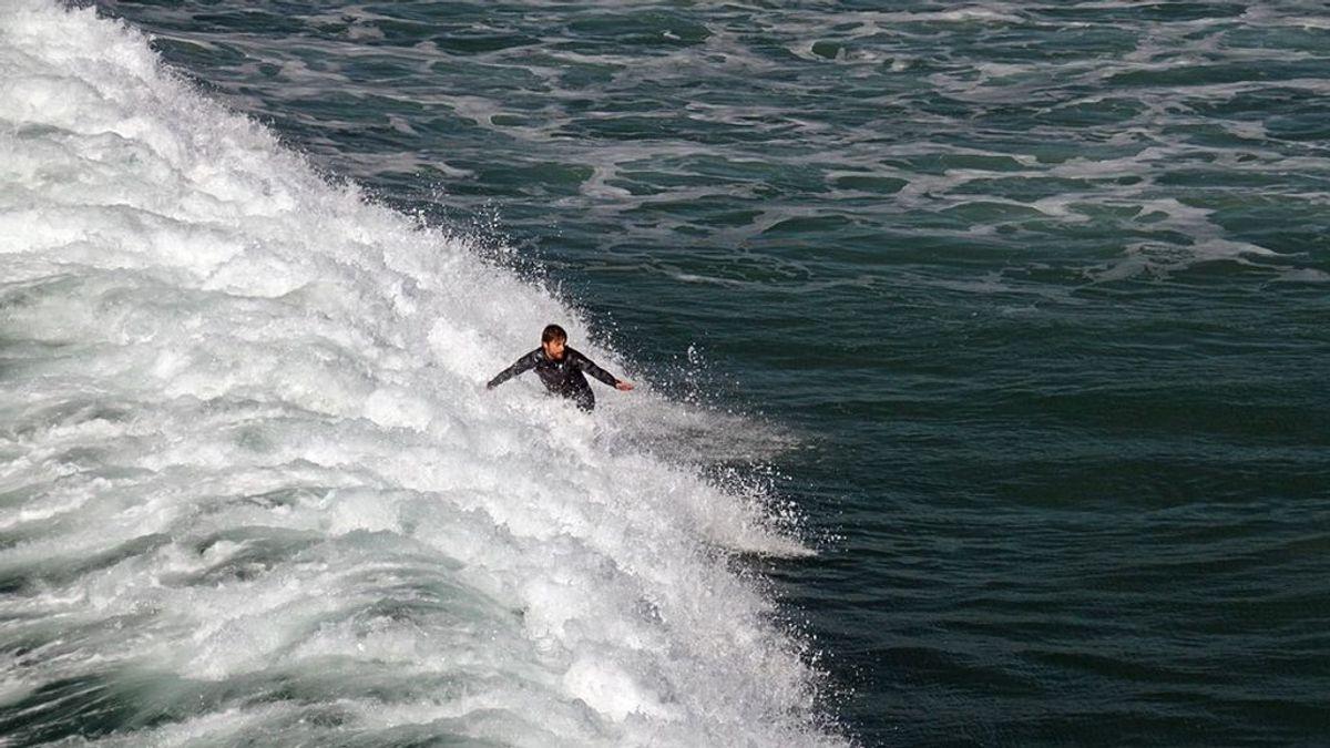 Las autoridades estadounidenses alertan de olas de más de 15 metros en la costa de California