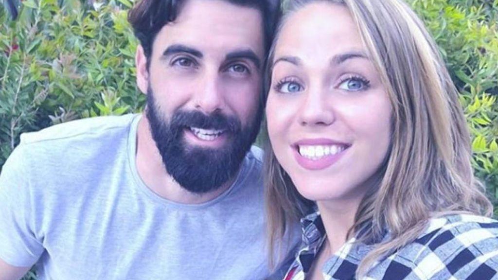 Yoli y Jonathan 'GH' confirman su acercamiento posando juntos por Navidad