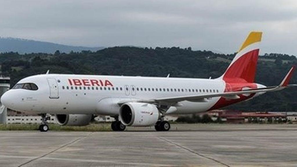 """Iberia tendrá que abonar 173€ a una viajera por la cláusula """"no-show"""""""