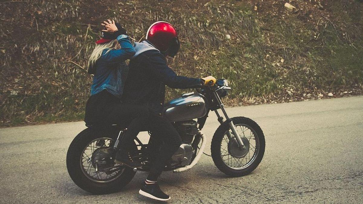 Una mujer de 33 años fallece tras caer de la moto y ser atropellada nueve veces