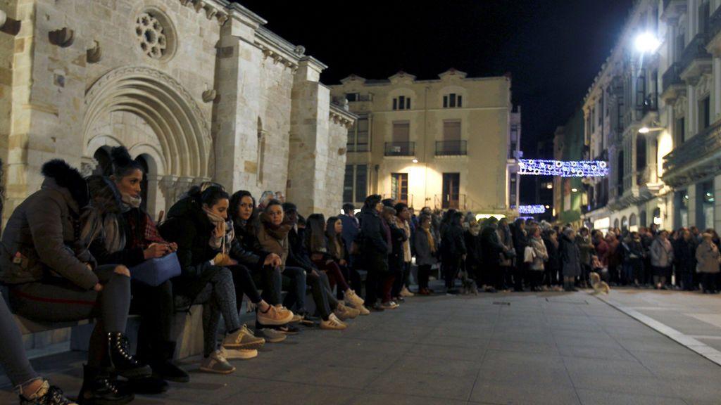 Multitudinaria concentración en Zamora por la muerte de Laura Luelmo