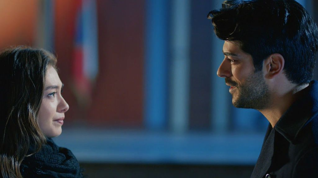 """Kemal, a Nihan: """"Te quiero, quítate el anillo y coge mi mano"""""""