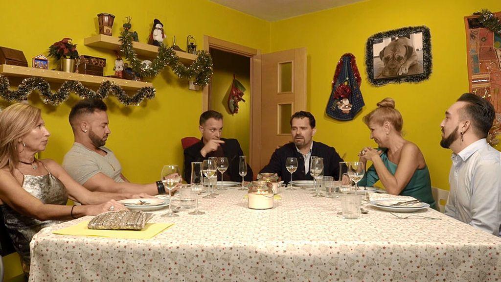 David arruina la surrealista cena en el Orient Express de César en 'Ven a cenar conmigo'
