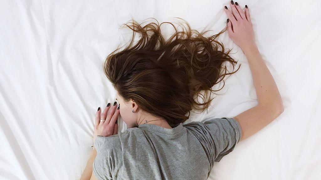 Dormir poco aumenta las ganas de comer comida basura