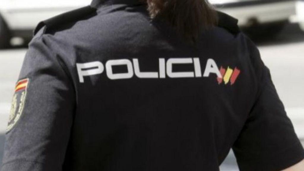 Detienen a tres personas acusadas de estafar 25.000 euros a una mujer con alzheimer
