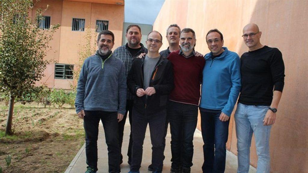 Abandonan la huelga de hambre los presos independentistas