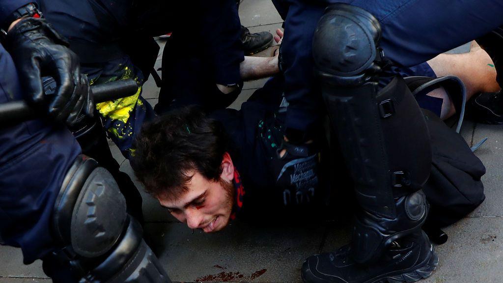 Un detenido en Barcelona por desórdenes públicos con material para hacer cócteles molotov