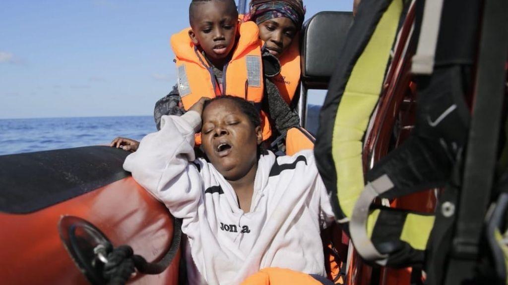 Open Arms vuelve a arriesgar y solicita desembarcar en Malta con 307 personas a bordo