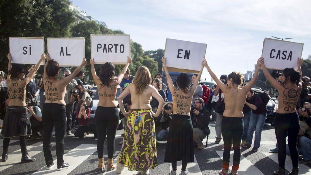 mujeres-manifestacion-parto-casa