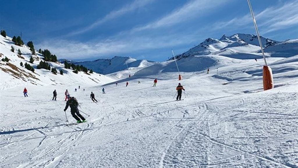 Un esquiador sufre una caída y muere en la estación oscense de Cerler