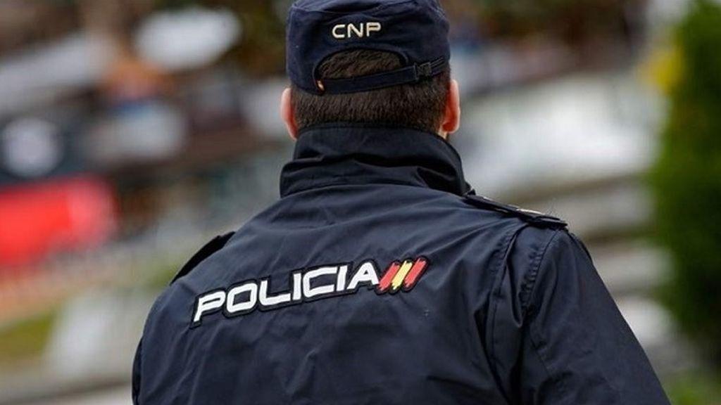 Arrestado un hombre tras pegar a su pareja en plena calle en Palma