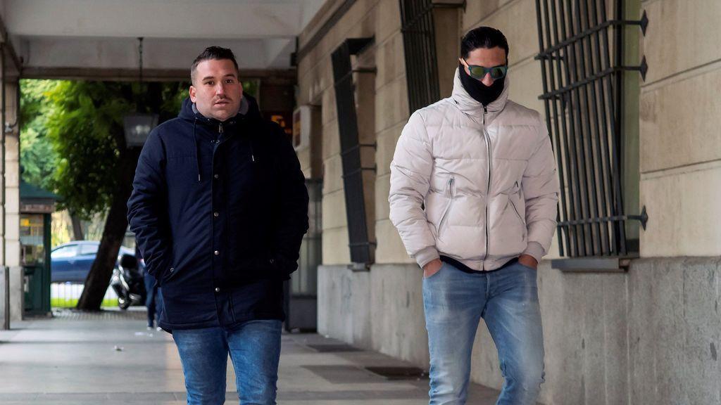 La vuelta a la cárcel para La Manada: El abogado de los condenados frente al de la víctima