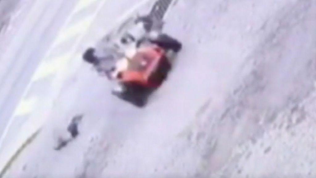 Terrible accidente: con tres años, sale volando en una curva del kart en el que viajaba  sin casco