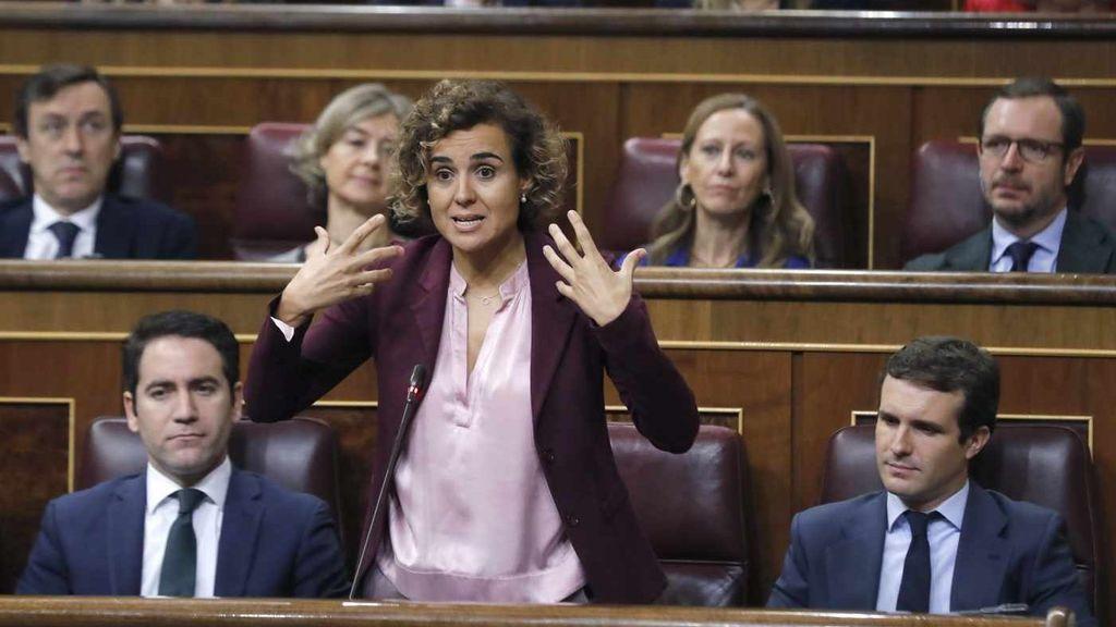 """Montserrat acusa a Sánchez de vender  al país con tal de """"continuar sentado en su Falcon"""""""
