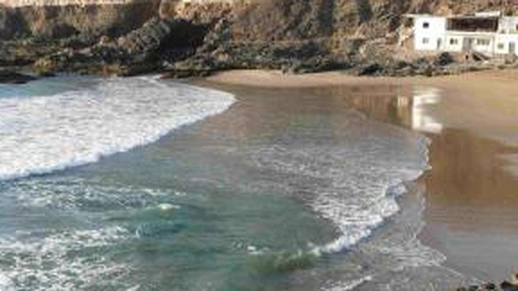 Fallece una mujer tras ser arrastrada por una ola en Puerto del Rosario (Fuerteventura)
