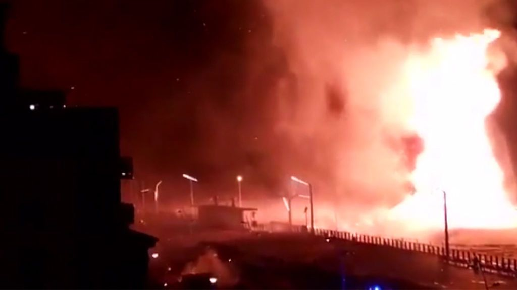 Nochevieja de pánico por una lluvia de fuego en Holanda: tornados de cenizas incandescentes