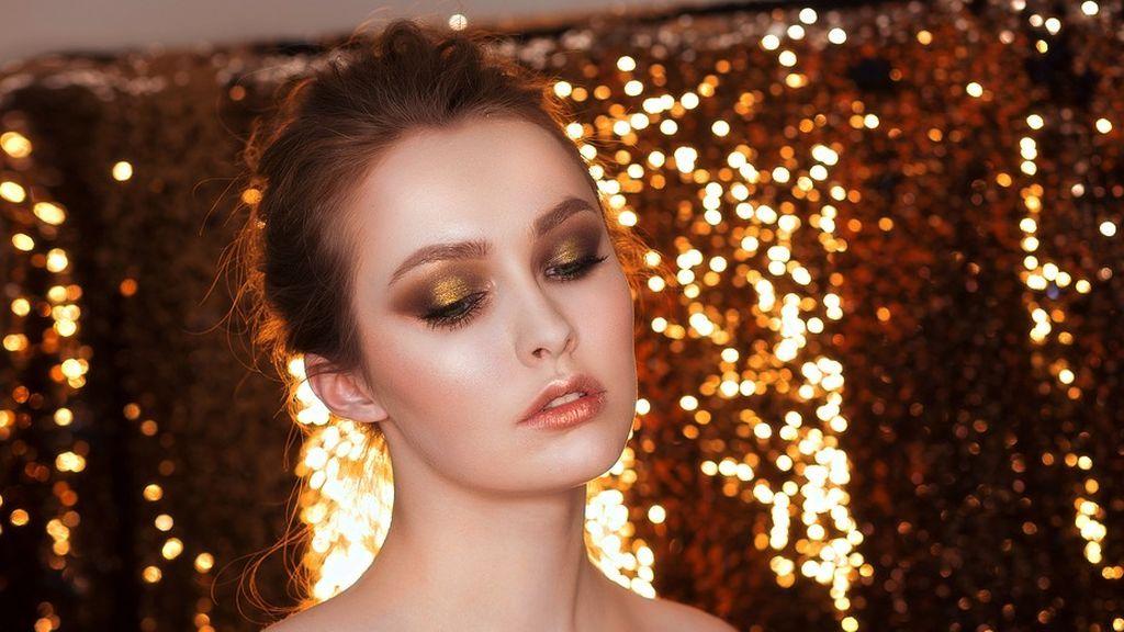 Cómo hacerte un maquillaje glitter sin acabar hecha un cuadro