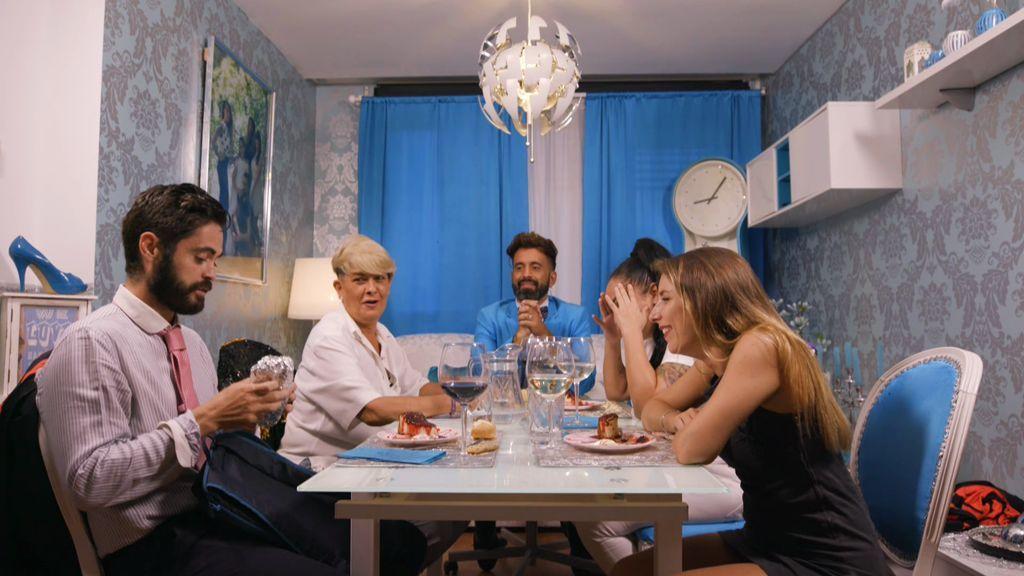 La venganza se sirve en papel de aluminio: Víctor saca un bocadillo en plena cena de Sergio ¡y se lía!