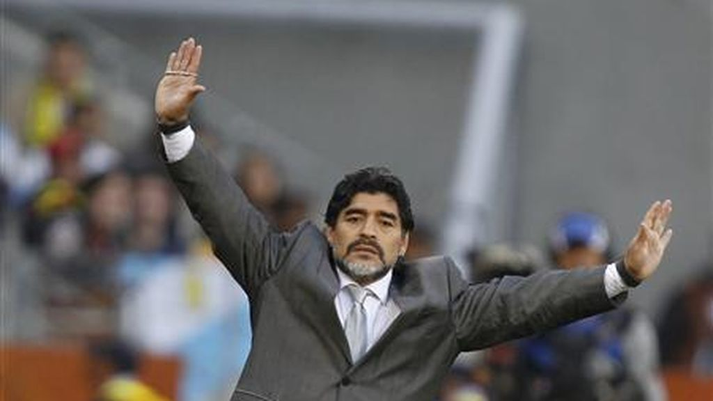"Maradona, hospitalizado en Argentina por un ""sangrado estomacal"""