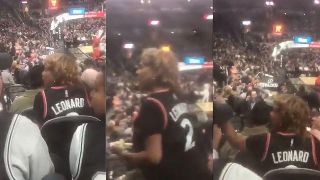 La madre de Kawhi Leonard se enfreta a los haters de su hijo en pleno partido de la NBA