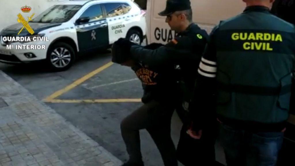 Cuatro detenidos por una presunta violación múltiple a una joven de 19 años en Callosa
