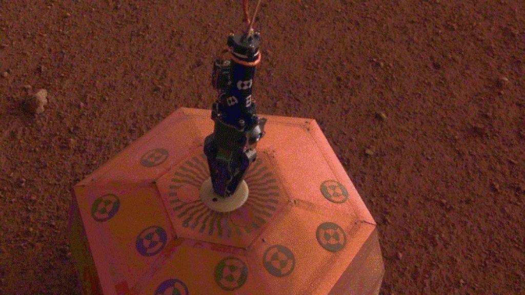 La NASA publica nuevas imágenes de la sonda InSight en Marte