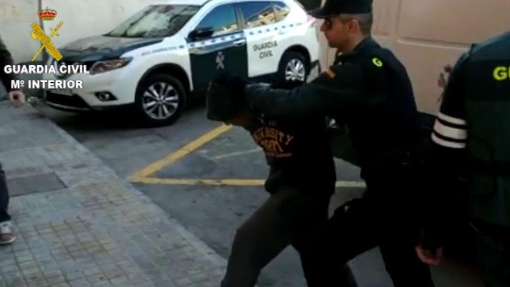 Detenidos cuatro jóvenes por abusar sexualmente y drogar a una mujer en Alicante