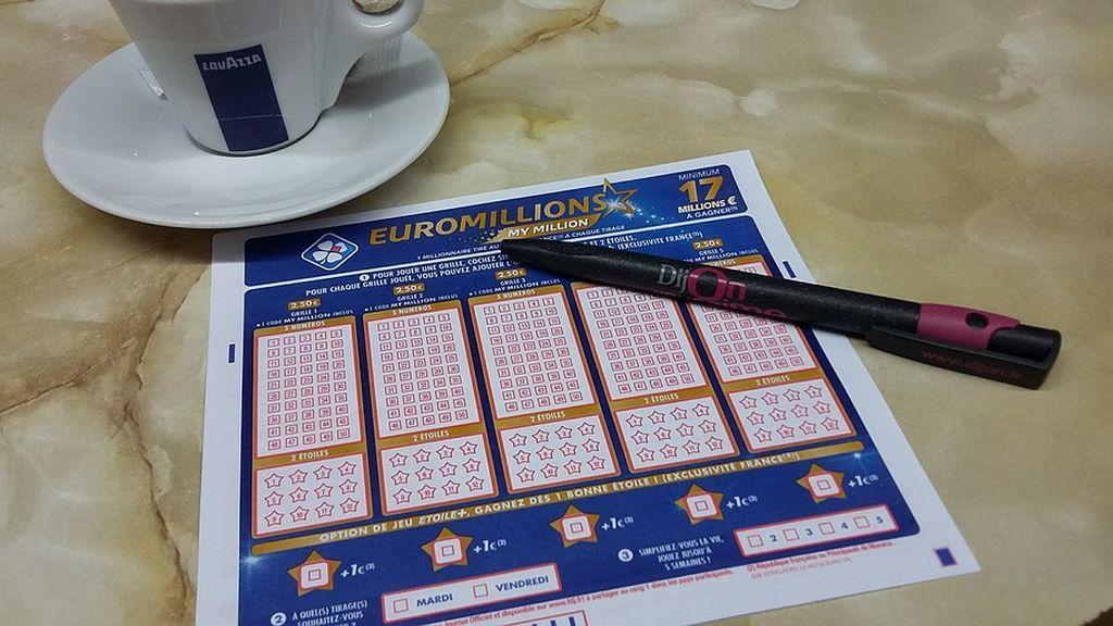 Una pareja logra 115 millones de libras con el primer Euromillón del 2019