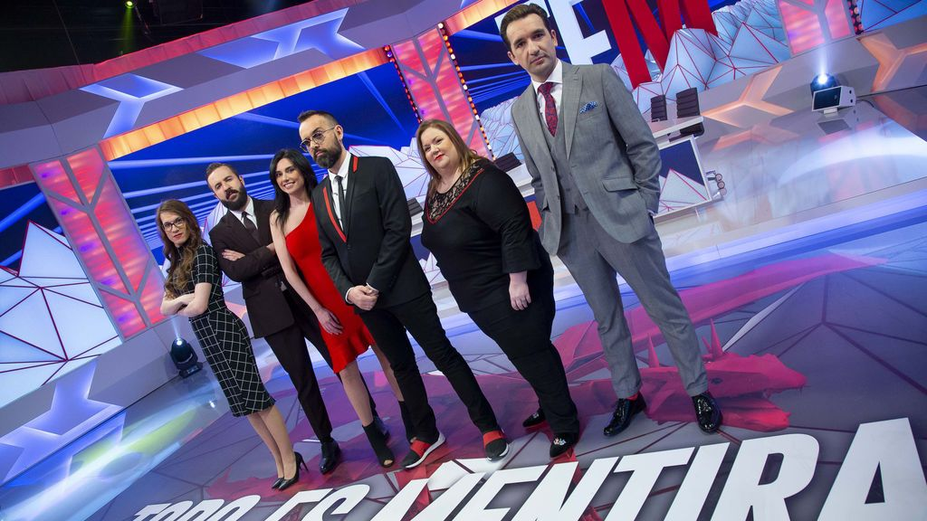 Elsa Ruiz, Antonio Castelo, Marta Flich, Risto Mejide, Itziar Castro y Miguel Lago, equipo de 'Todo es mentira'.