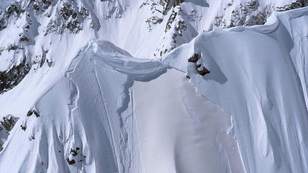 Mueren tres alpinistas españoles y su guía en una avalancha cuando escalaban el nevado Mateo en Perú