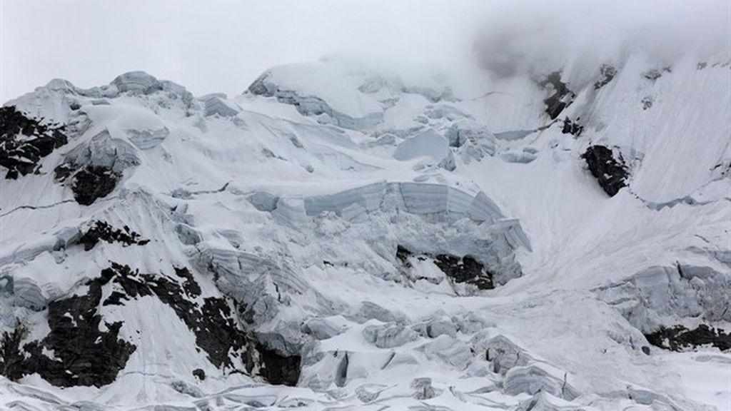 Tres alpinistas españoles y un guía peruano fallecen en una avalancha en Perú