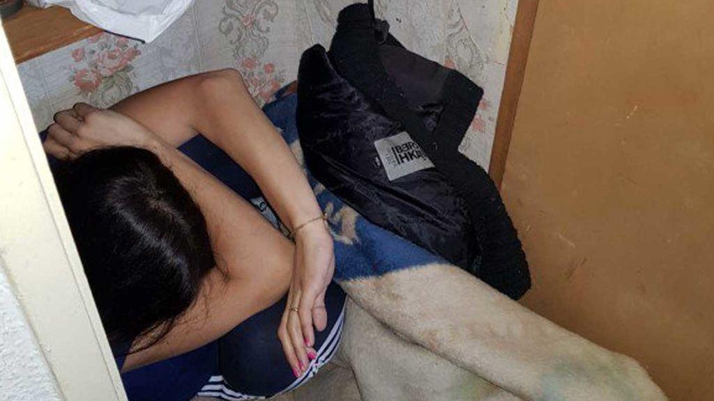 Hallan a una víctima de malos tratos escondida en un armario bajo mantas en Murcia