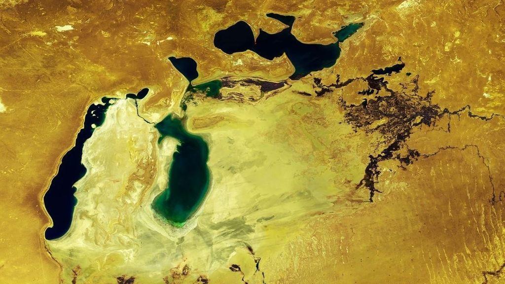 Lo que queda del mar de Aral, el cuarto lago más grande de la Tierra