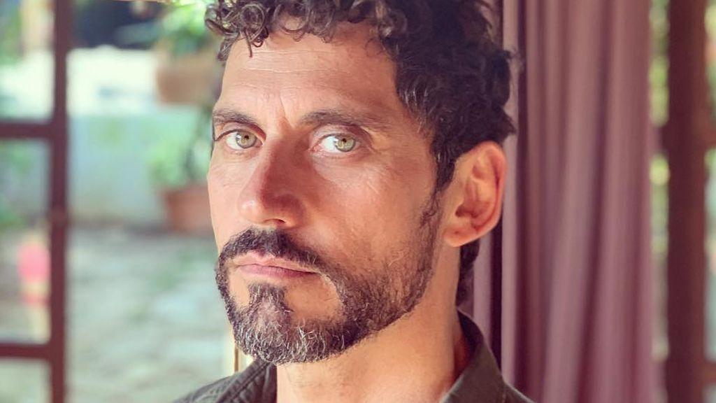 Así sería el abuelo Paco León: el sorprendente cambio de look