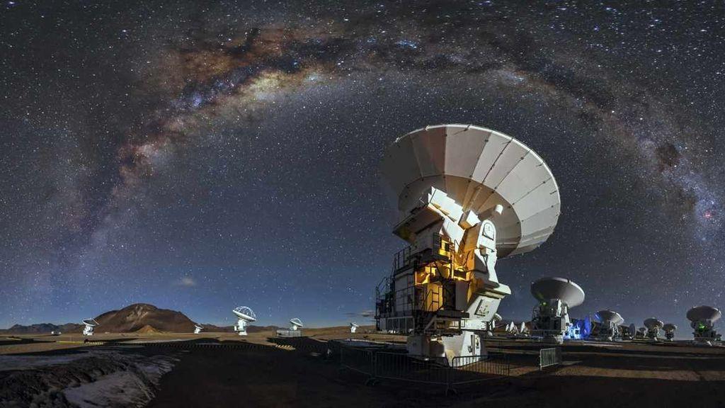 Detectan una segunda señal cósmica que se repite (y que podría tener origen alienígena)