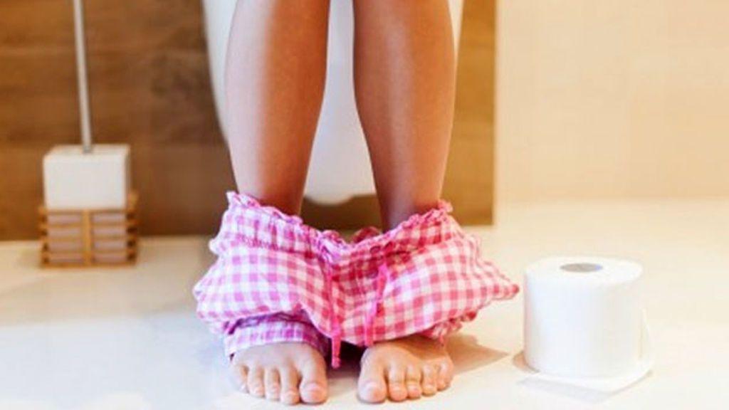 Reduce el estreñimiento con el simple gesto de elevar los pies