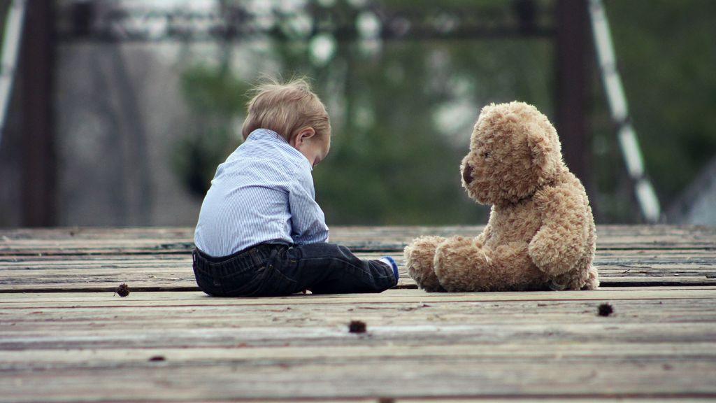 Un niño olvida su oso en un hotel y se le es devuelto de forma entrañable