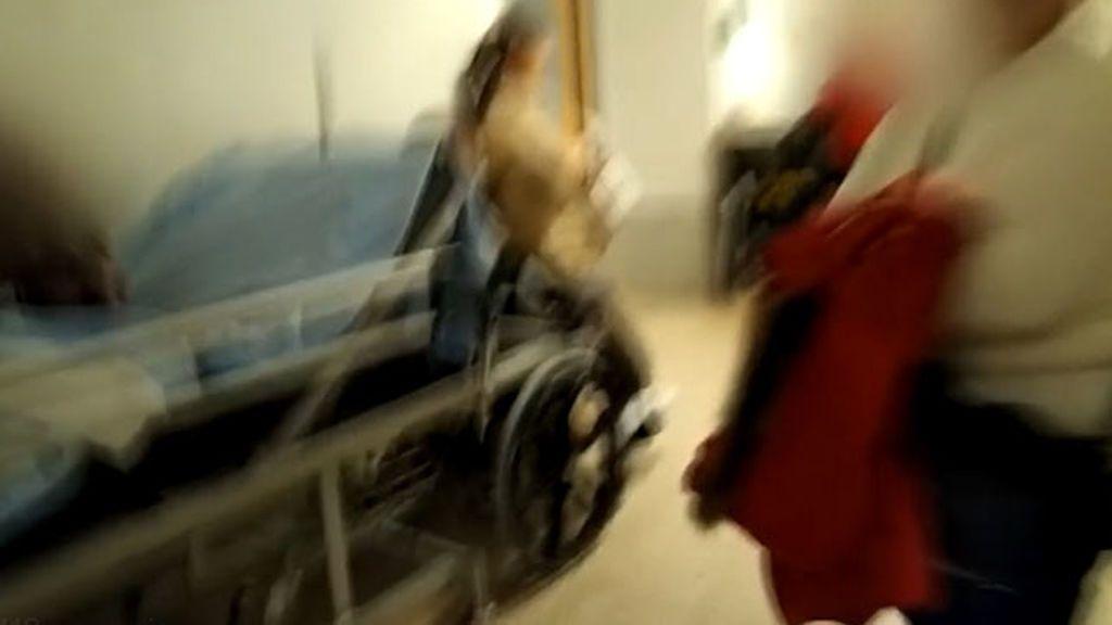 Dos ancianos mueren en los pasillos del hospital de Santiago de Compostela
