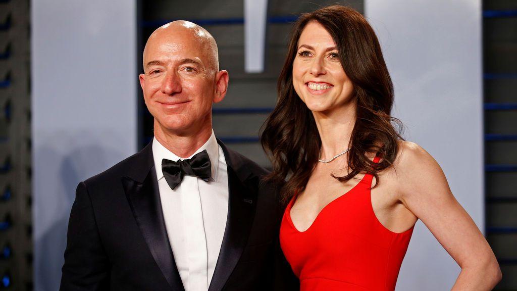 Jeff Bezos y su esposa McKenzie