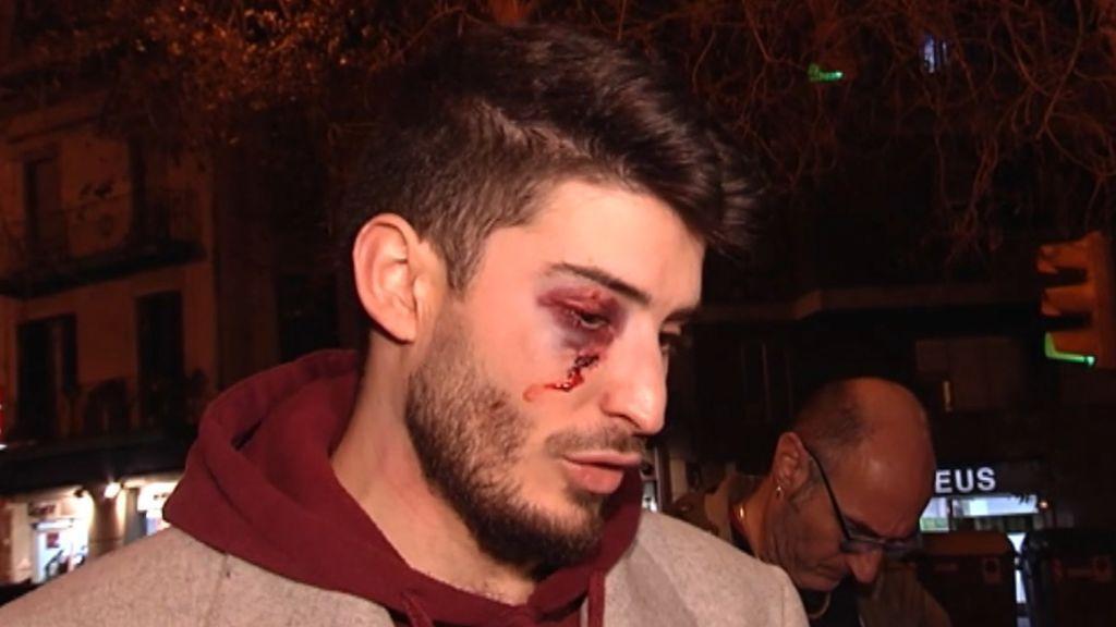 """Patadas e insultos a un joven en el metro de Barcelona a grito de """"maricón"""""""