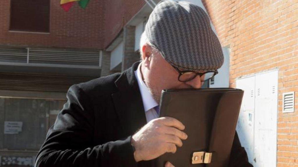 Suspenden las comunicaciones entre el excomisario Villarejo y su mujer