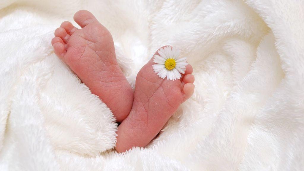 Decapitan a un bebé durante el parto en India