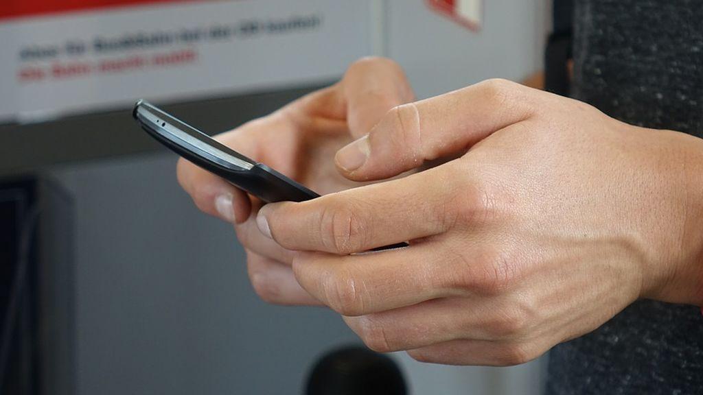 El fallo de WhatsApp por el que otros pueden leer tus mensajes