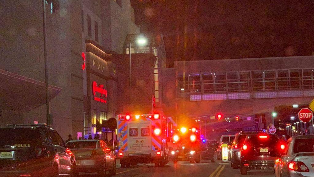 Dos heridos en un tiroteo en un centro comercial de Nueva Jersey