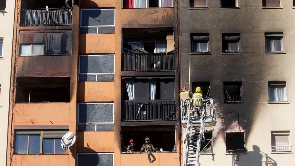 Detenidas seis personas relacionadas con el incendio de Badalona