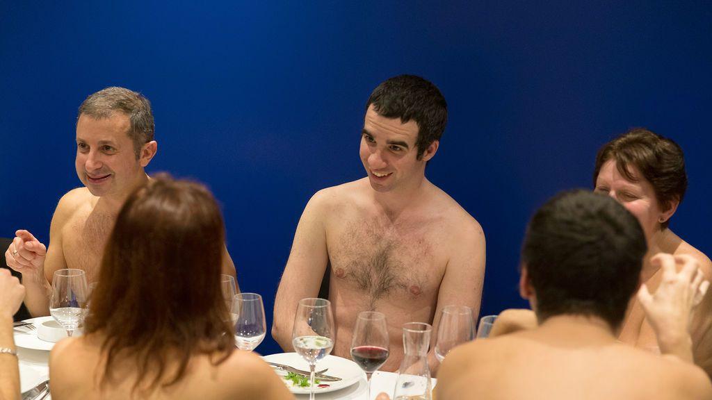 Cuenta atrás para disfrutar de la última cena nudista en París