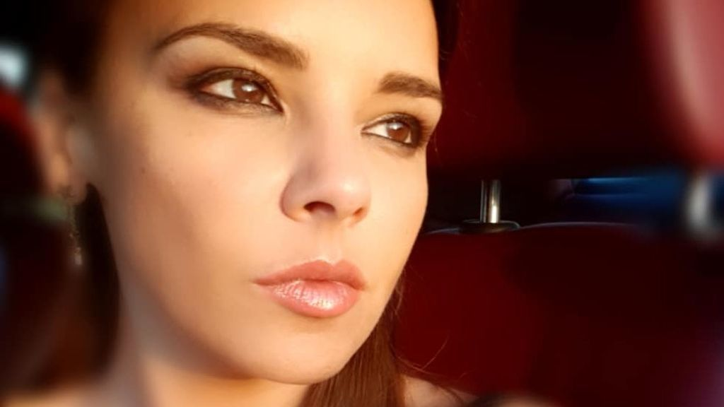 Ultrarrizado y de estilo ochentero: el sorprendente cambio de look de Chenoa