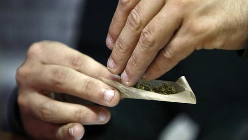 Fumar un sólo porro de marihuana puede cambiar el cerebro de un adolescente