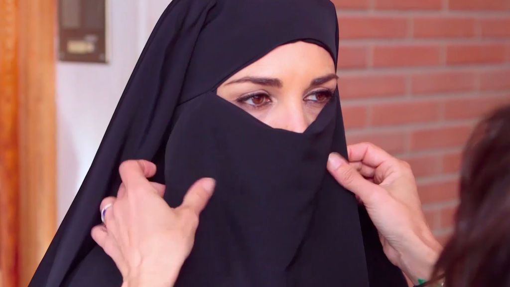 """Paula Echevarría, sobre el niqab: """"Es agobiante, pero hay días que hasta lo agradecería"""""""